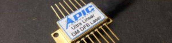 Linear DFB laser